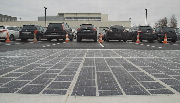 /news/road_out_solar_panels_green_energy_project/2017-09-25-26